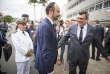 Edouard Philippe est accueilli par Philippe Germain, le nouveau président du gouvernement de Nouvelle-Calédonie, à Nouméa, le 2 décembre.
