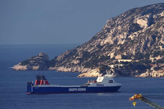 Une traversée prévue mercredi d'Alger vers Marseille est également annulée et les passagers sont reclassés sur la traversée suivante prévue lundi prochain.