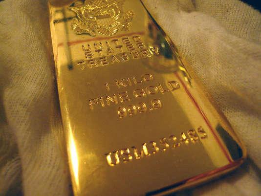 """«Plus qu'un retour du risque ou une amélioration des fondamentaux du marché de l'or, il faut voir dans l'actuel rebond de l'or un """"effet Trump"""". Le fossé entre les promesses de campagne du président américain et le bilan assez mince de sa première année à la Maison Blanche a mis le billet vert sous pression.»"""