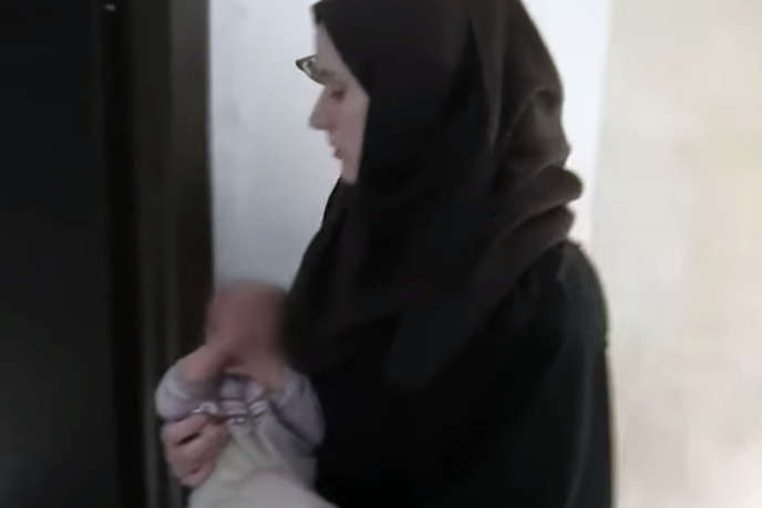 Margaux, française de 27 ans, détenue avec ses trois enfants par les forces kurdes après avoir été arrêtée à Rakka en novembre.