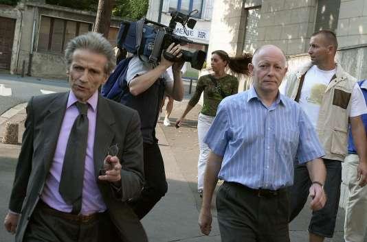 Patrick Henry et son avocat Thierry Levy en 2002.