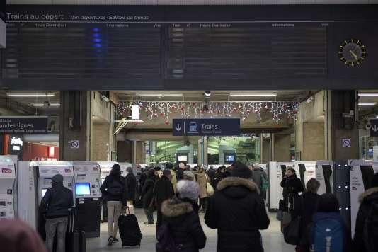 «Une voie indispensable pour diminuer les incidents, et plus encore leurs conséquences sur les voyageurs, est de revoir en profondeur les principes d'organisation qui régissent l'entreprise» (Interruption de trafic à la gare Montparnasse, le 3 décembre).
