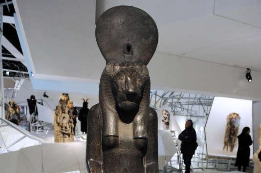 Une statue de Sekhmet au Musée du quai Branly à Paris en 2012.