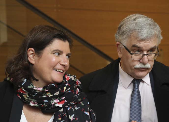 Marie Morel, directrice des affaires juridiques, et Pierre Cavard, directeur Etudes et Analyses, de l'Unedic.