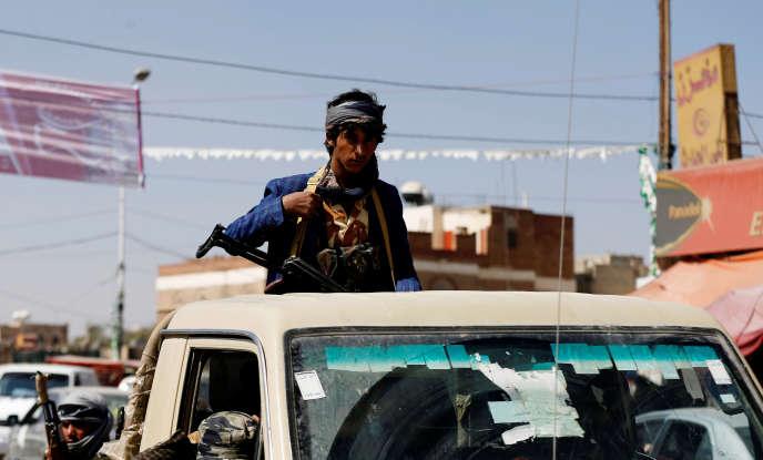 Un combattant houthiste, à Sanaa, le 4 décembre.