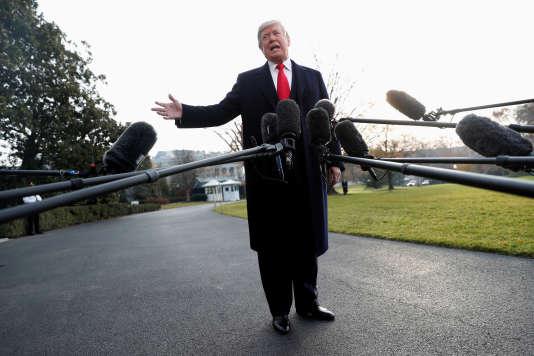 « La dernière chose dont nous avons besoin en Alabama et au Sénat est une marionnette de (Chuck) Schumer et de (Nancy) Pelosi », a déclaré Donald Trump, sur Twitter.