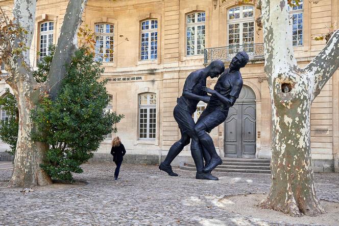 Le galeriste et marchand d'art contemporain Yvon Lambert présente ses collections dans deux hôtels particuliers.