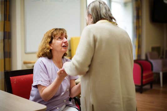 A l'hôpital privé gériatrique les Magnolias, à Ballainvilliers (Essonne), le 1er décembre.