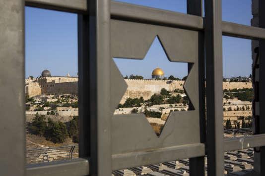 Le monde arabo-musulman a prévenu des répercussions diplomatiques catastrophiques au Moyen-Orient d'une éventuelle reconnaissance par Donald Trump de la ville de Jérusalem comme capitale d'Israël.