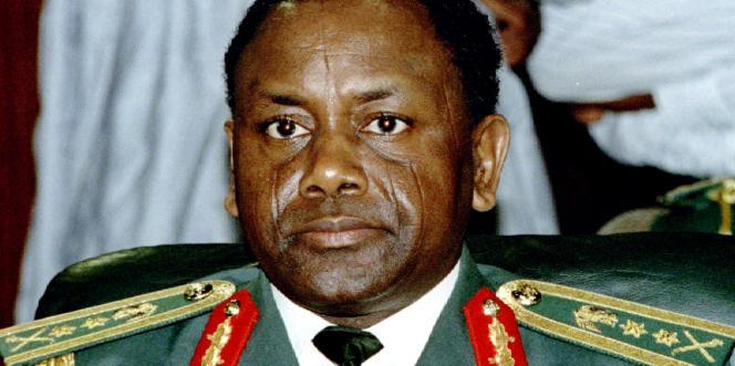 Le général Sani Abacha en septembre 1993, quelques semaines avant son coup d'Etat de novembre de la même année.