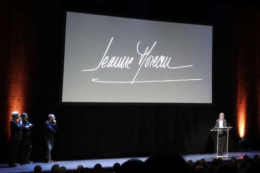 La ministre de la culture, Françoise Nyssen, lors de la soirée en l'honneur de Jeanne Moreau au Théâtre de l'Odéon à Paris, le 4 décembre 2017.