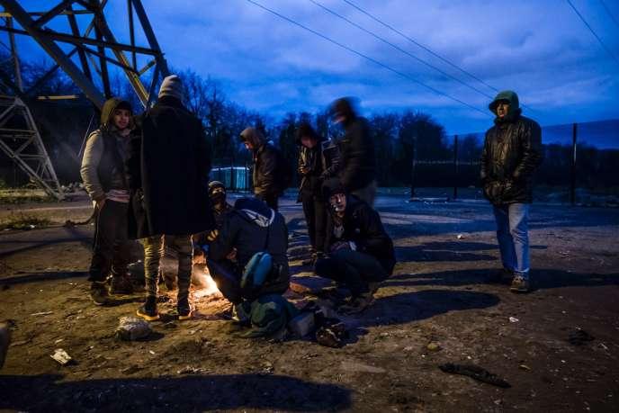 Migrants à Calais, le 5 décembre.