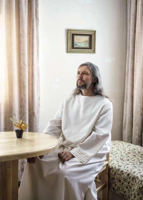 Sibérie, 2016. Sergueï Torop, alias Vissarion, fondateur de l'Eglise du Dernier Testament, compte entre 5 000et 10 000disciples qui vivent à ses côtés dans plusieurs villages de la forêt sibérienne.