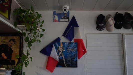 Au restaurant routier Le Relais 6, à Cussy-les-Forges (Yonne), tenu parJean-Luc Mollaret, grand fan de Johnny Hallyday.