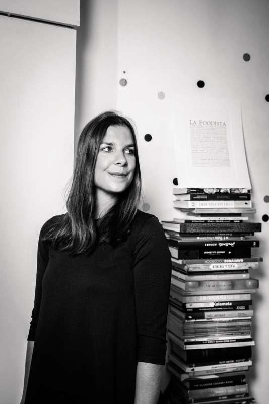 Raphaële Marchal, journaliste culinaire fascinée par les gestes des cuisiniers.
