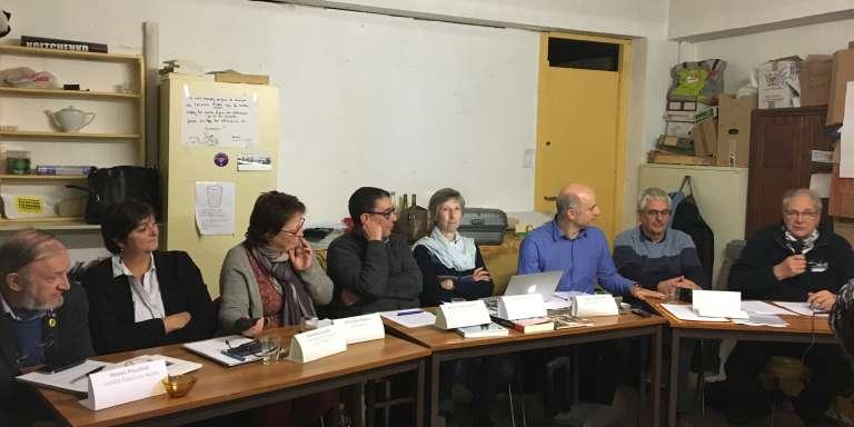 Les membres du Collectif secret-défense, un enjeu démocratique, lors de leur conférence de presse le 6 décembre 2017 à Paris.