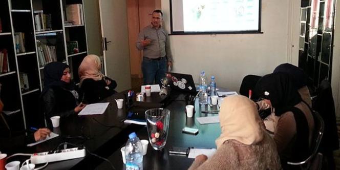 Atelier d'étudiantes de l'Université d'Oran.