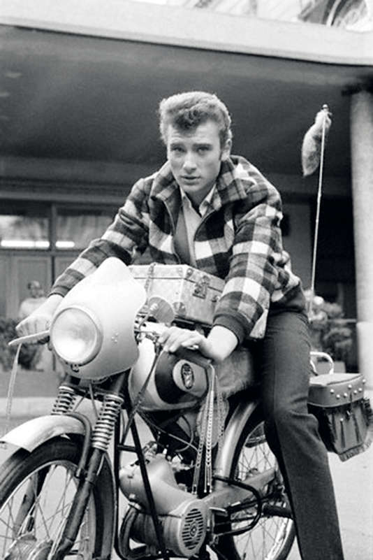 En 1963, avec une Paloma Super Flash, lors du tournage de«D'où viens-tu Johnny?».