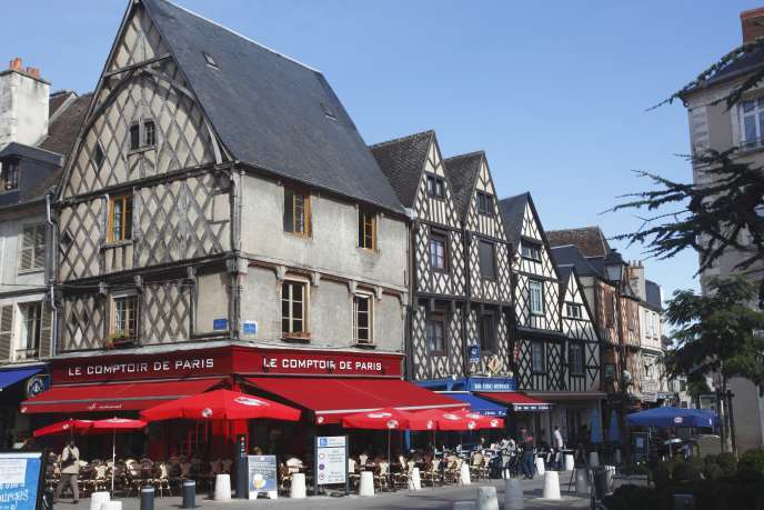 A Bourges.
