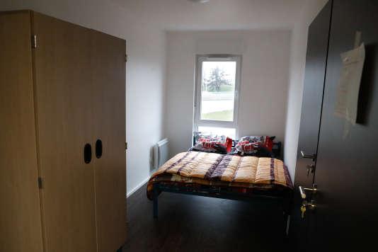 Une chambre du Bastion, à Paris, le 6 décembre. Des familles à la rue y seront accueillies à partir du 11 décembre.