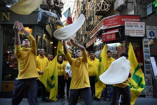 Dans les rues de Naples, le 7 décembre.