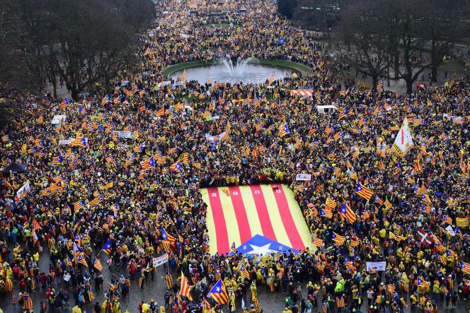 Manifestation d'indépendantistes catalans à Bruxelles, jeudi 7 décembre 2017.