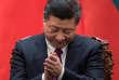 « Les logements insalubres, les petits magasins, les vendeurs ambulants qui peuplent les rues et rendent la ville attractive doivent-ils être détruits»(Photo: Xi Jinping le 7 décembre, à Pékin).