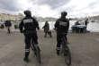 Des policiers sur le Vieux-Port de Marseille, le 7 décembre 2017.