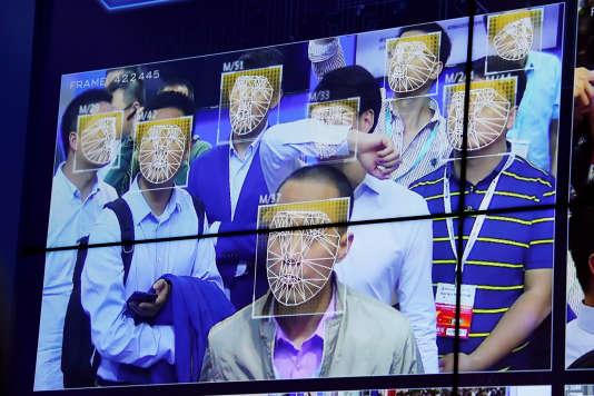 Lors d'un salon des professionnels de la sécurité publique, à Shenzhen, en Chine, le 30octobre.