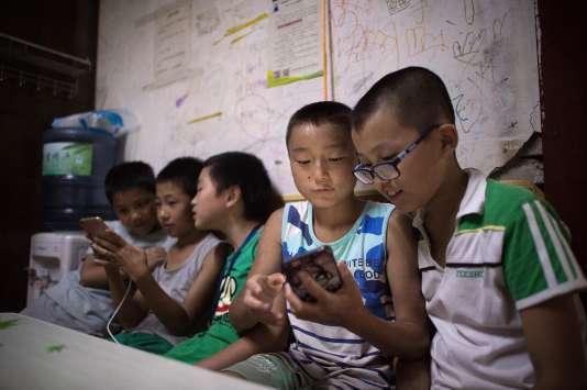 Facebook a lancé une version destinée aux 6-12 ans de sa plate-forme de messagerie Messenger.
