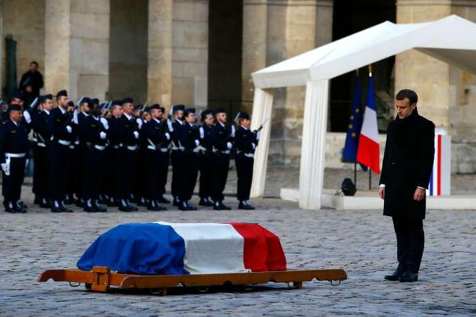 « On aurait dit que le président de la République française se livrait à un pastiche du style de d'Ormesson pour prononcer son éloge funèbre» (Emmanuel Macron devant le cercueil de D'Ormesson, le 8 décembre).