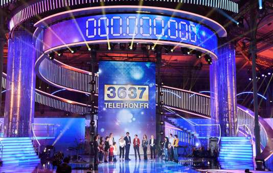 La scène de la 31e édition du Téléthon à Paris.