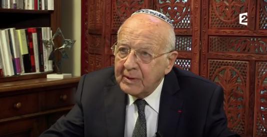 Le grand rabbin Eisenbergprésentait chaque dimanche sur France 2 l'émission consacrée au judaïsme, « La source de vie ».