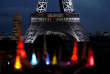 «Merci Johnny» inscritsur la Tour Eiffel, en hommage au chanteur et acteur Johnny Hallyday, le 8 décembre, à Paris.