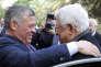 Le roi Abdallah de Jordanie (à g.) accueille Mahmoud Abbas au palais royal d'Amman, le 7 décembre.