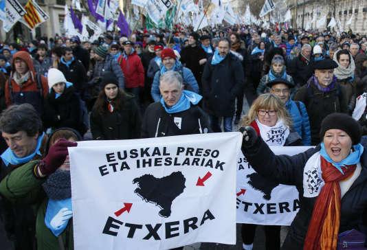Des organisations et des élus demandent «la fin du régime d'exception» qui maintient les 62 personnes détenues pour des crimes ou délits liés au terrorisme basque.