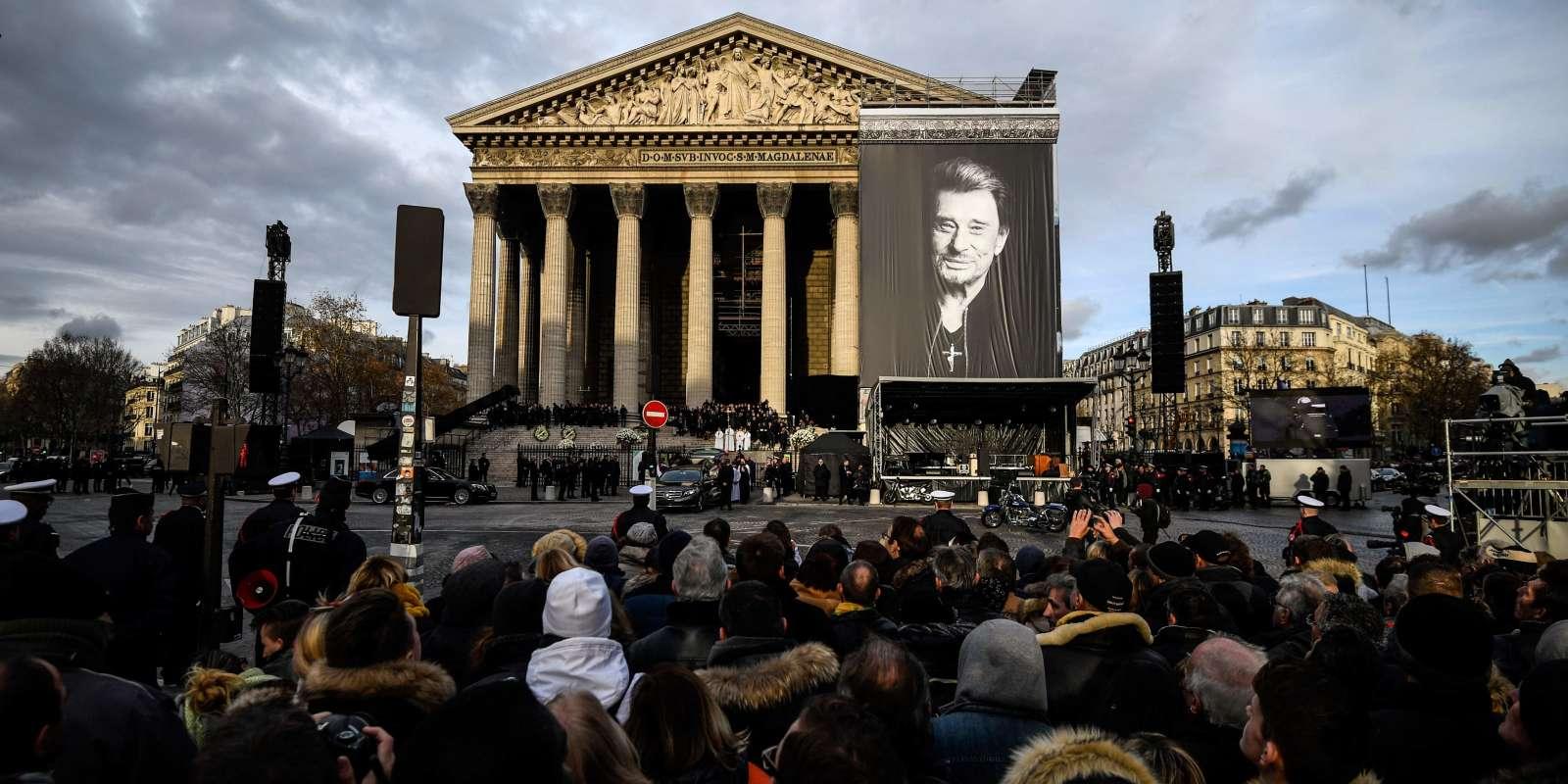 La cérémonie funéraire en hommage à Johnny Hallyday à l'église de la Madeleine à Paris, le 9 décembre 2017.