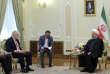 Boris Johnson, leministre britannique des affaires étrangères, avec le président iranien Hassan Rohani, à Téhéran, le 10 décembre 2017.