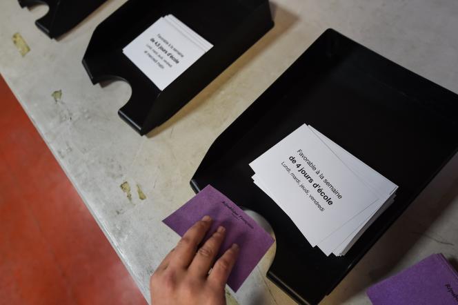 57,14% des votants ont choisi le retour à la semaine de quatre jours de classe, à Besançon, le 10 décembre.