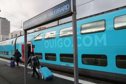 Cinq allers-retours quotidiens sont proposés par Ouigo depuis Montparnasse (Vaugirard) vers Bordeaux, Nantes et Rennes.