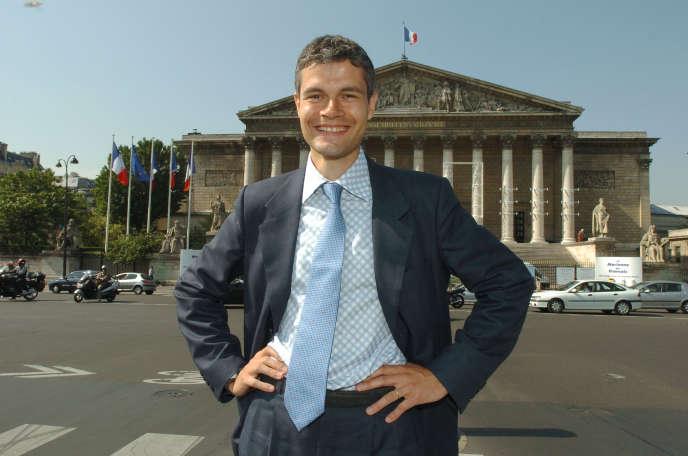 Laurent Wauquiez, ex-suppléant de Jacques Barrot, deux jours après son élection comme député UMP de la Haute-Loire, à Paris, le 6 juillet 2004.