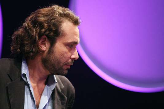 Le journaliste Paul Comiti, lors du Prix Bayeux-Calvados en octobre 2009.