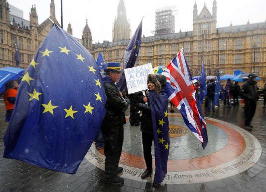 Manifestation contre le Brexit, le 11décembre, devant le Parlement, à Londres.