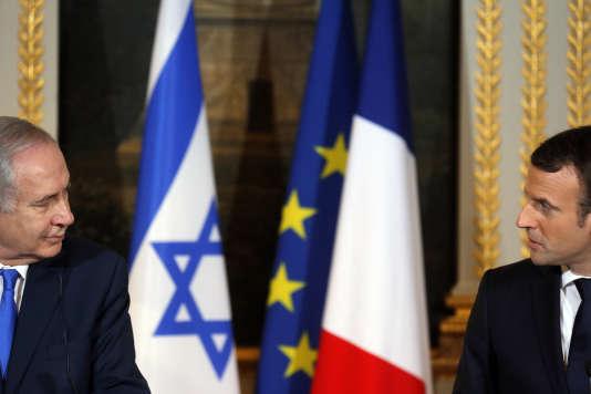 Le premier ministre israélien, Benyamin Nétanyahou, et Emmanuel Macron lors de leur conférence de presse commune au palais de l'Elysée, le 10 décembre.
