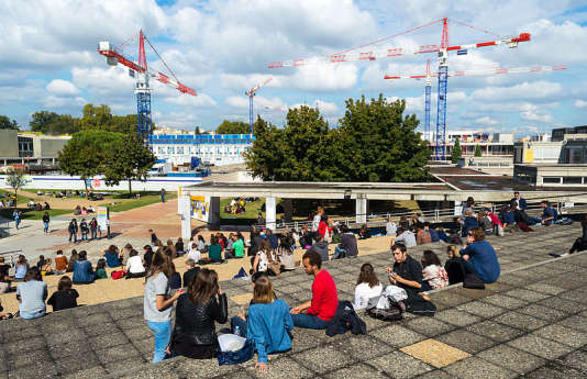 Pause déjeuner à l'université Toulouse-II Jean-Jaurès.