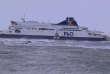 Le ferry britannique «Pride-of-Kent» en difficulté à la sortie du port de Calais, dimanche 10 décembre 2017.