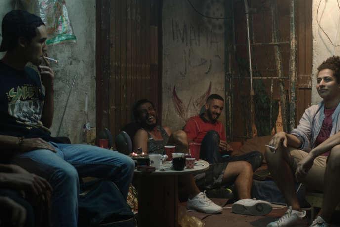 De gauche à droite : Adam Bessa, Brahim Derris, Abdelhamid Ameur et Amine Lansari dans«Les Bienheureux», deSofia Djama.