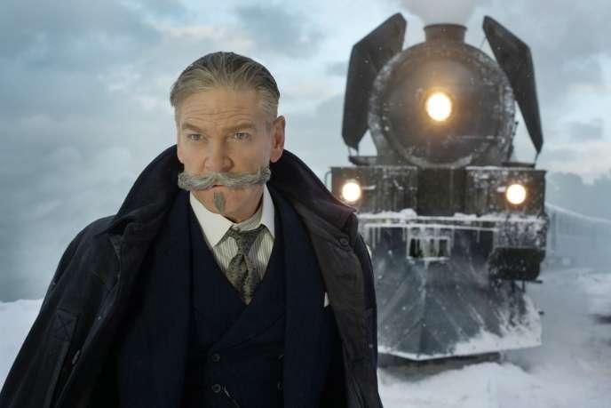«Le Crime de l'Orient Express» («Murder on the Orient Express»), filmbritannique de et avec Kenneth Branagh.