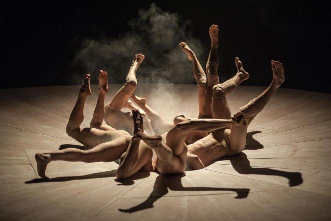« Yama» (2014), une chorégraphie de Damien Jalet par leScottish Dance Theatre.