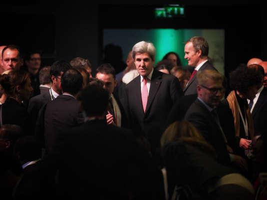 John Kerry, lors de la séance plénière du One Planet Summit, à Boulogne-Billancourt, le 12 décembre 2017.